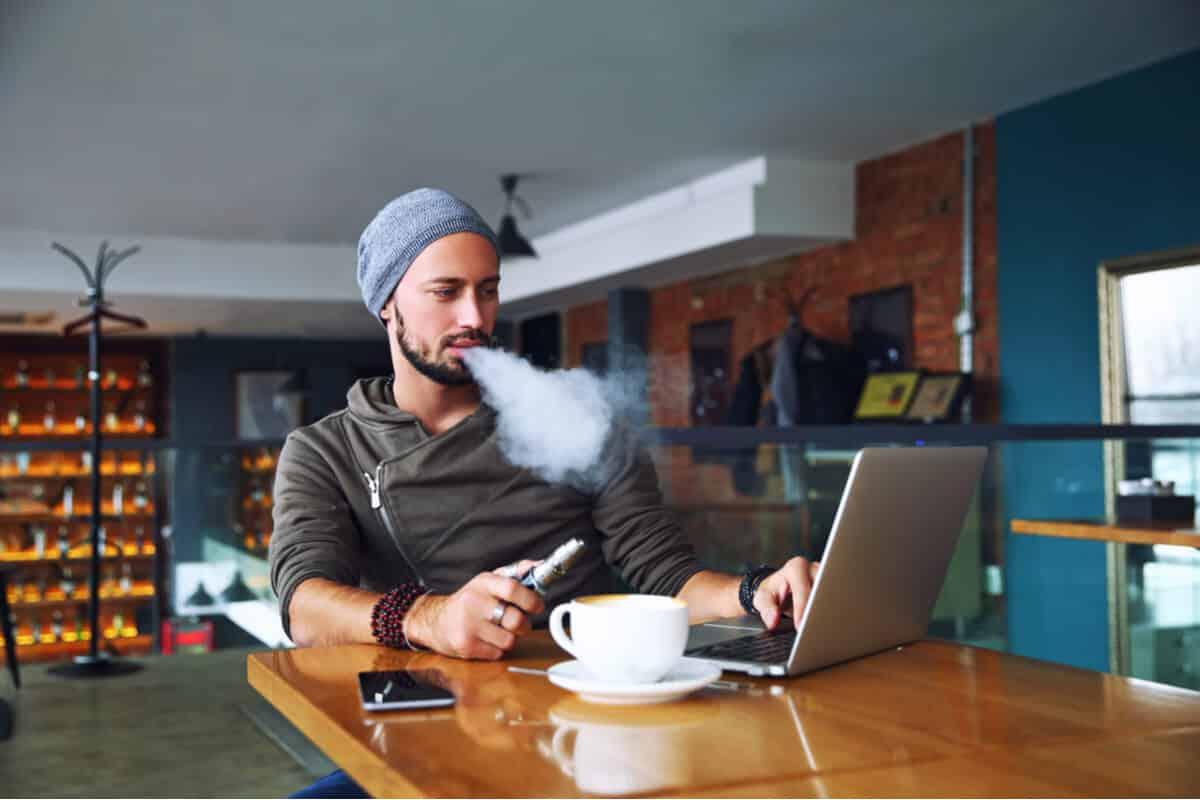 Unde poti fuma tigara electronica - cele mai utile informatii pentru vaperi!